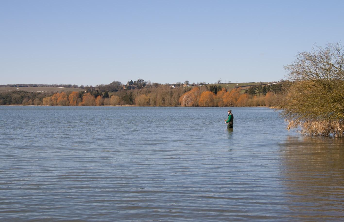 Ausreichend Abstand zum nächsten Fischer gebietet der Abstand - selbst wenn dieser mehr fängt als man selbst