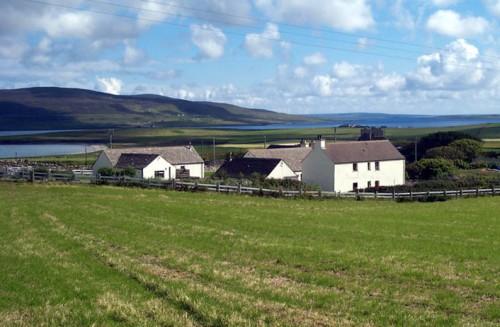 Unterkunft auf den Orkney Inseln: 10 - 20 Minuten bis an alle Lochs